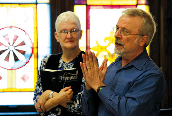 Mennonite Worship and Song Committee members Cynthia Neufeld Smith, co-pastor of Southern Hills Mennonite Church in Topeka, Kan., and Tom Harder, co-pastor of Lorraine Avenue Mennonite Church in Wichita, Kan., lead a workshop Nov. 18 at a worship symposium hosted by Bethel College. The committee is working to create a new hymnal by 2020. — Vada Snider/Bethel College