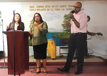 The worship team from Luz y Vida Mennonite Church in Orlando, Fla., sings during the Southeast Mennonite Conference annual assembly Oct. 5-6 at Iglesia Cristiana Ebenezer in Apopka, Fla. — Alma Perez Ovalle