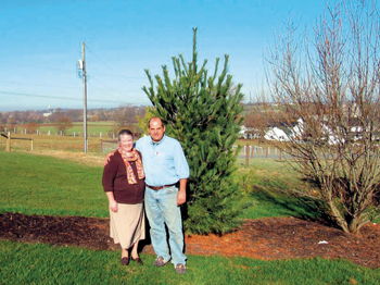 """I like to call myself a conservationist, not an environmentalist,"" says Eugene Lapp of Lancaster County, Pa., with his wife, Marie. — Elizabeth E. Evans/RNS"