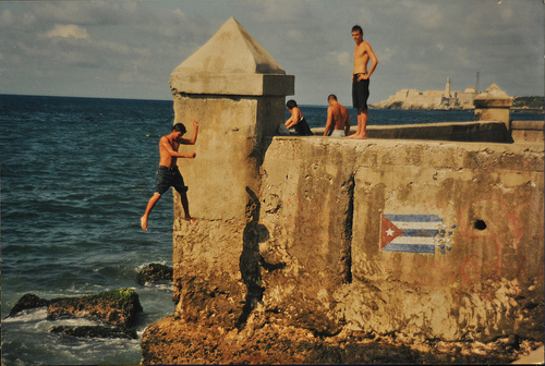 Jumping off the Malecón
